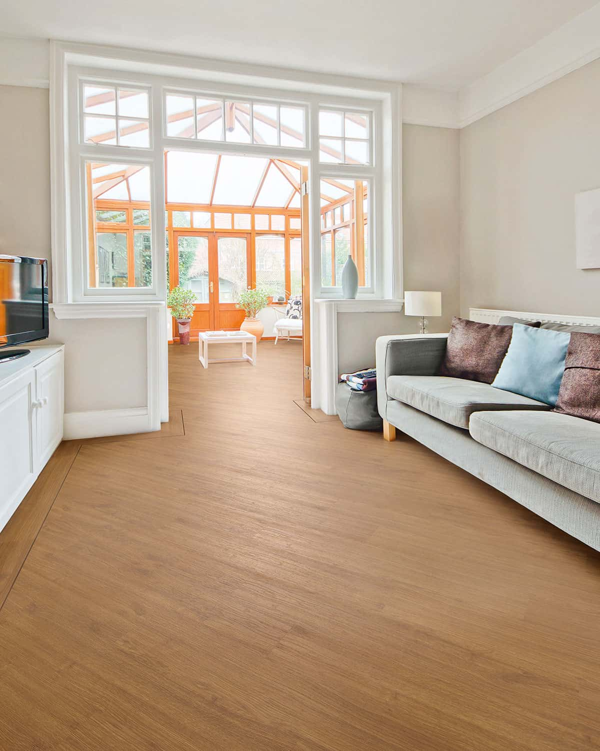 It's Time to Dive in the Vinyl Flooring Pros and Cons