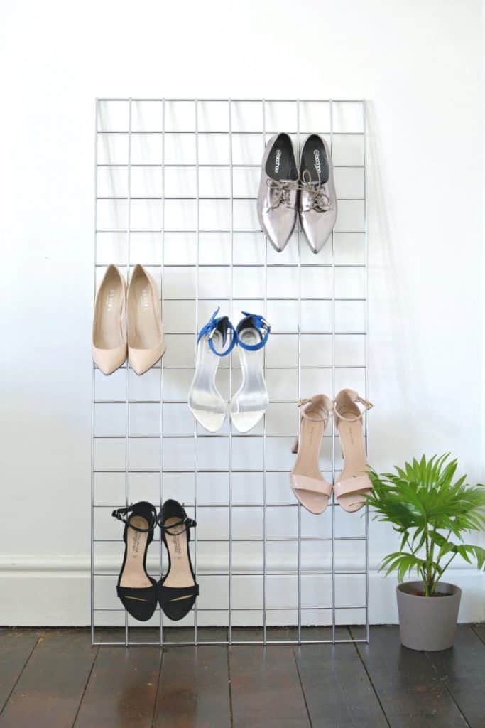 Simple Meshed Wire Shoe Rack