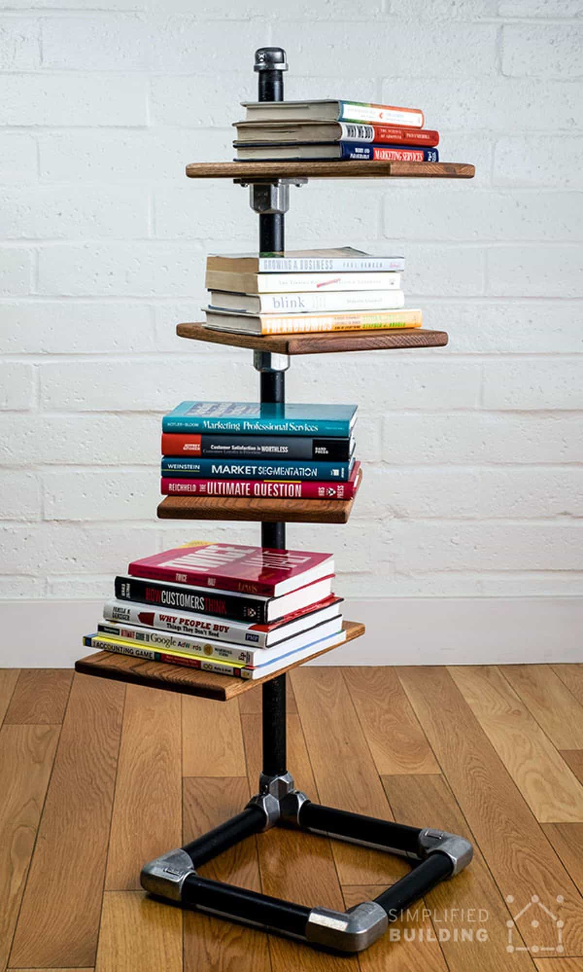"The Free-standing Book ""Tree"""
