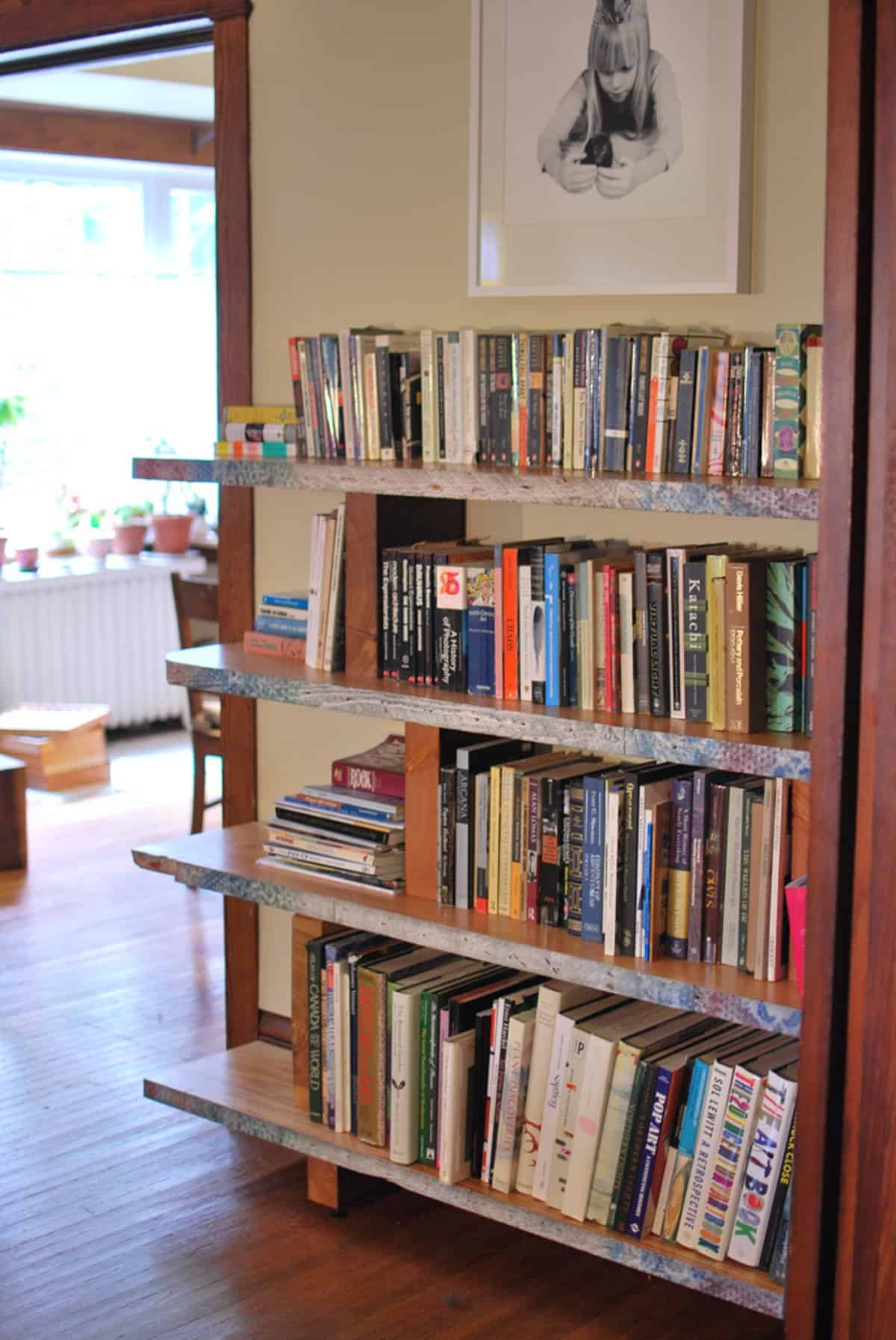Simple Floating Bookshelves
