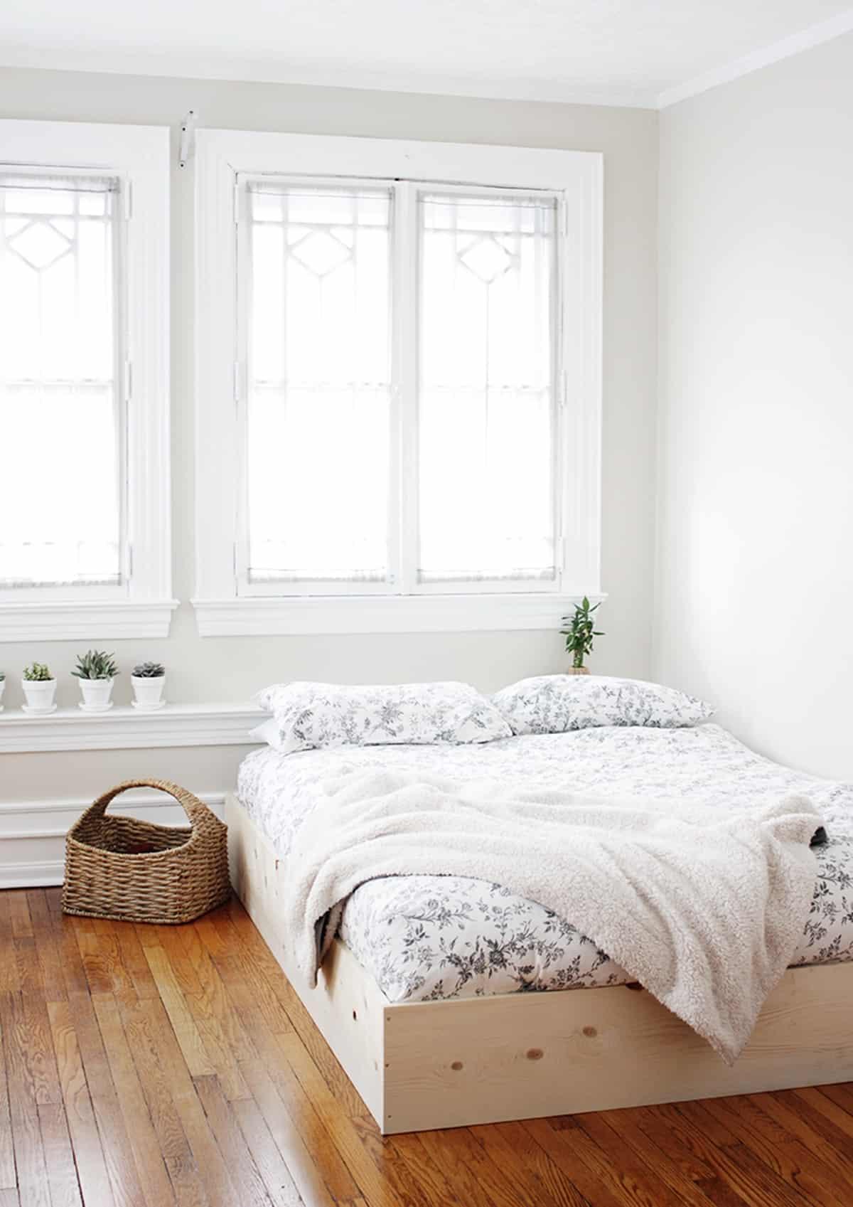 Box-style Platform Bed