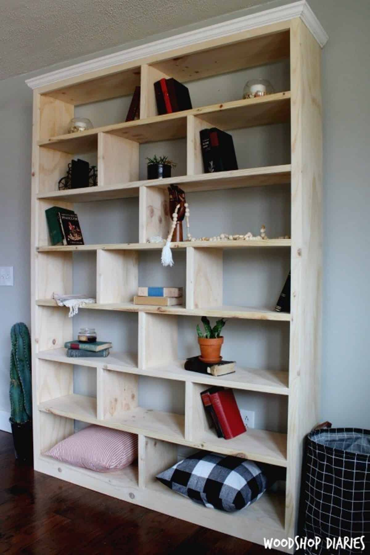 DIY Shelf for Contemporary Book Arrangements