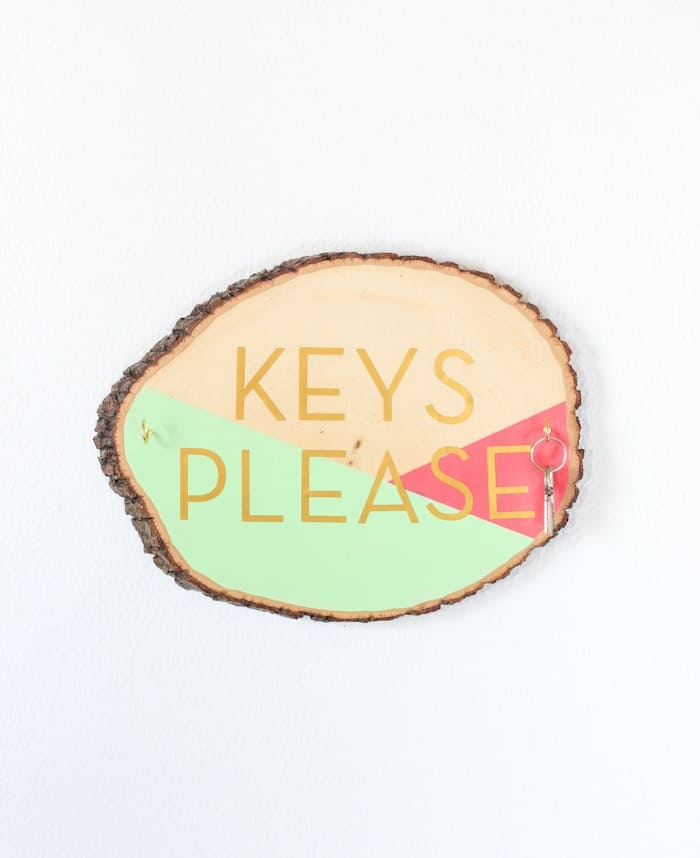 Wooden Slab Key Holder with Color Blocking