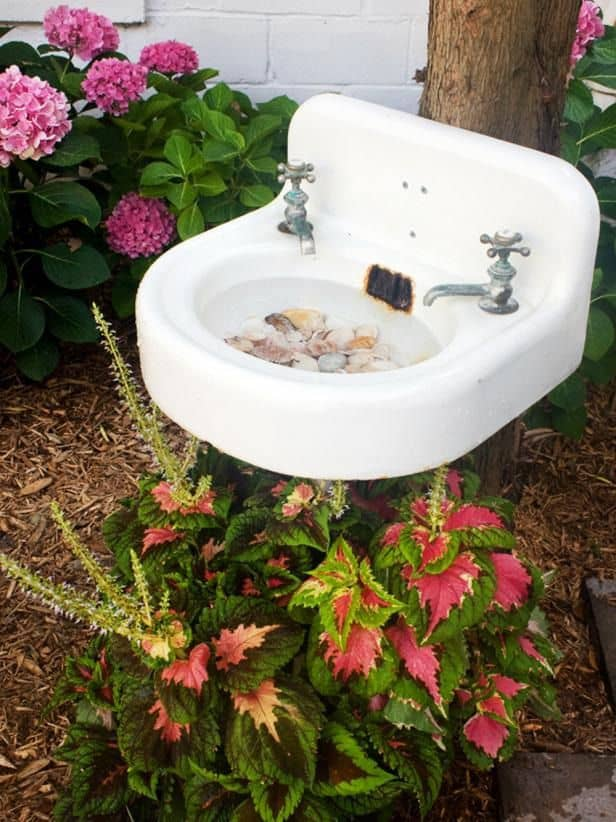 DIY Salvaged Sink Bird Bath