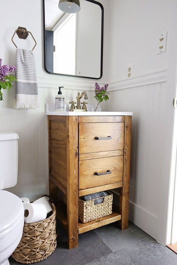 White Bathroom with a DIY Vanity (by. angelamariemade.com)