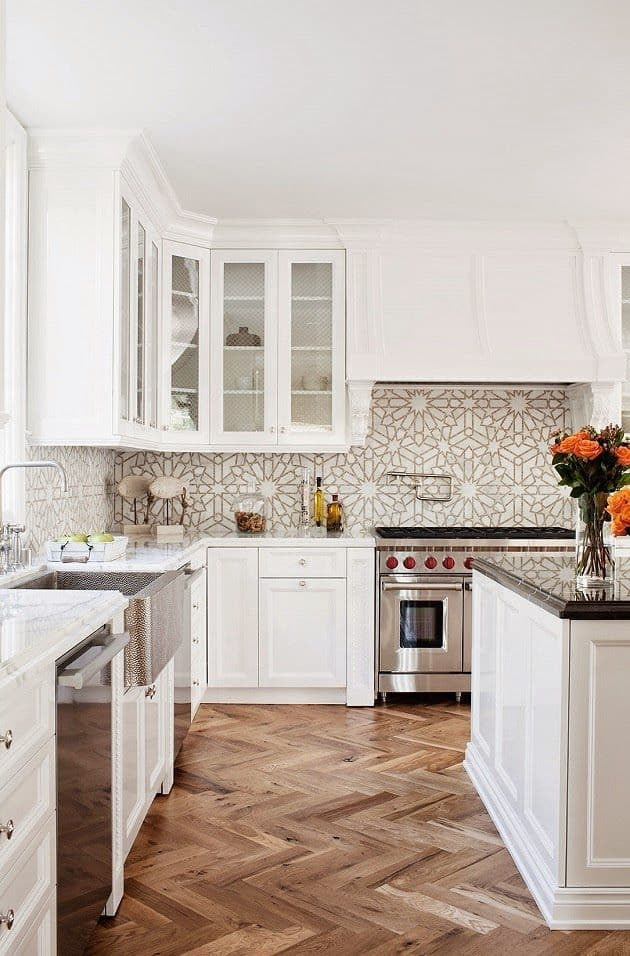 White Geometric Art Kitchen (by. mixandchic.com)