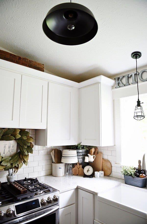 Modern Farmhouse Kitchen with L Cabinet (by. lizmarieblog.com)