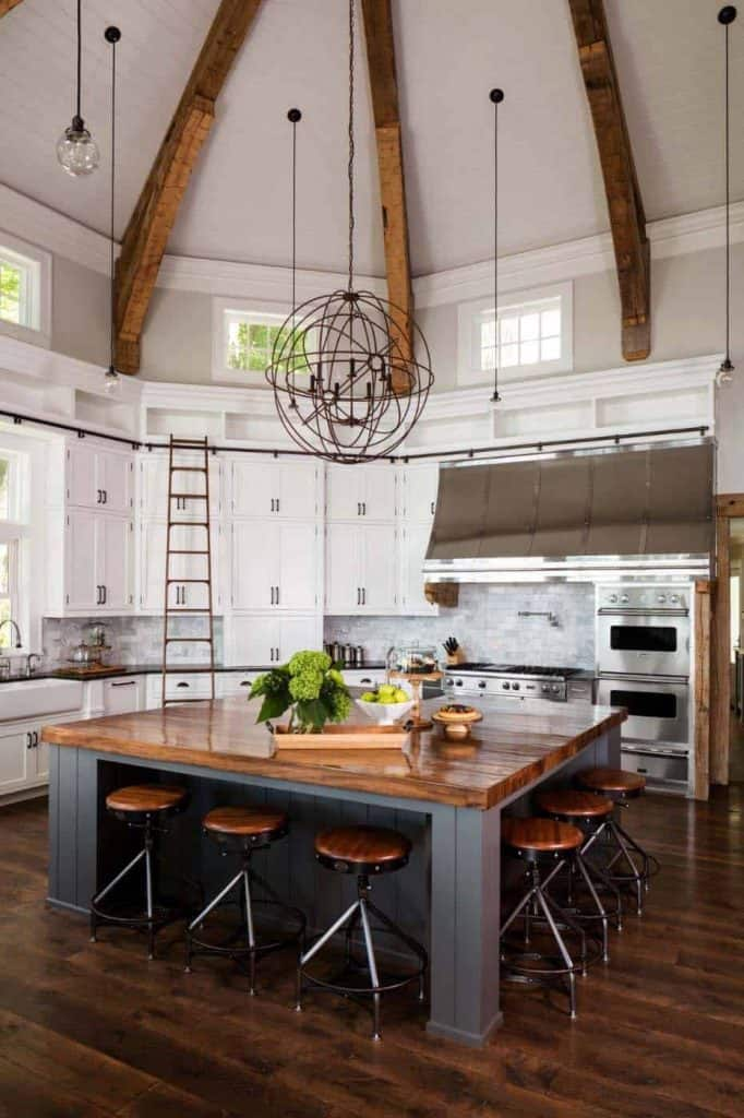 Circular Farmhouse Kitchen (by. onekindesign.com)