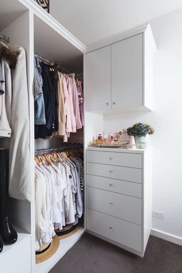 Mini White Closet for Apartment (by. apartmenttherapy.com)
