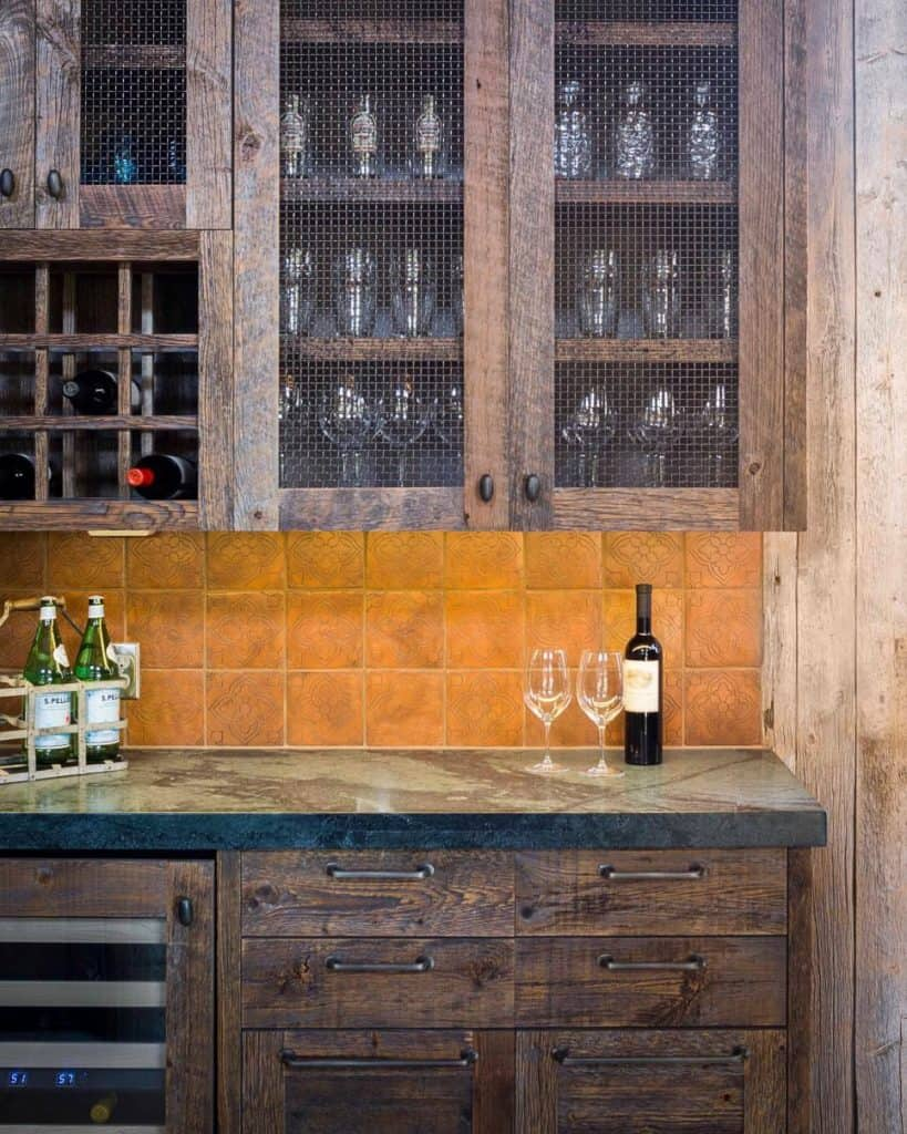 Rustic Farmhouse Cabinet with Chicken Wire (by. homedit.com)