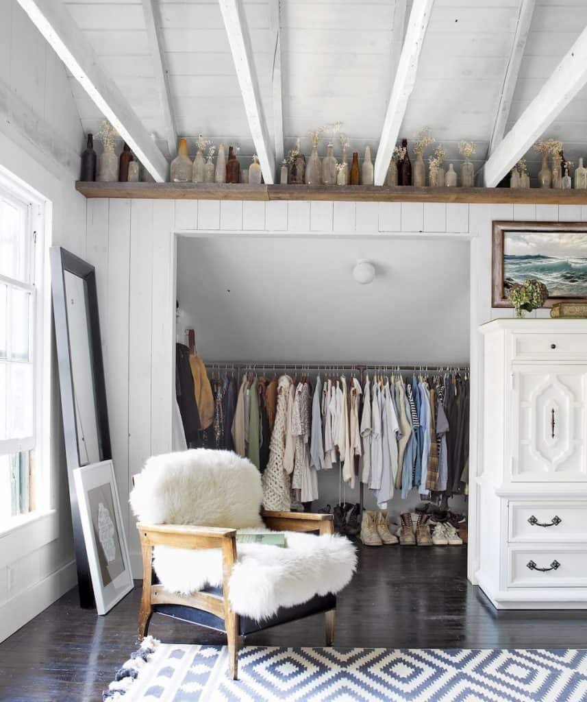 DIY Disguised Walk-in Closet (by. housebeautiful.com)