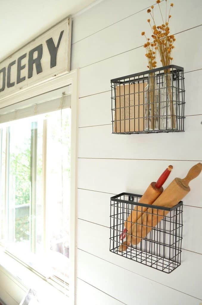 White Kitchen with Metal Wire Racks (by. sarahjoyblog.com)