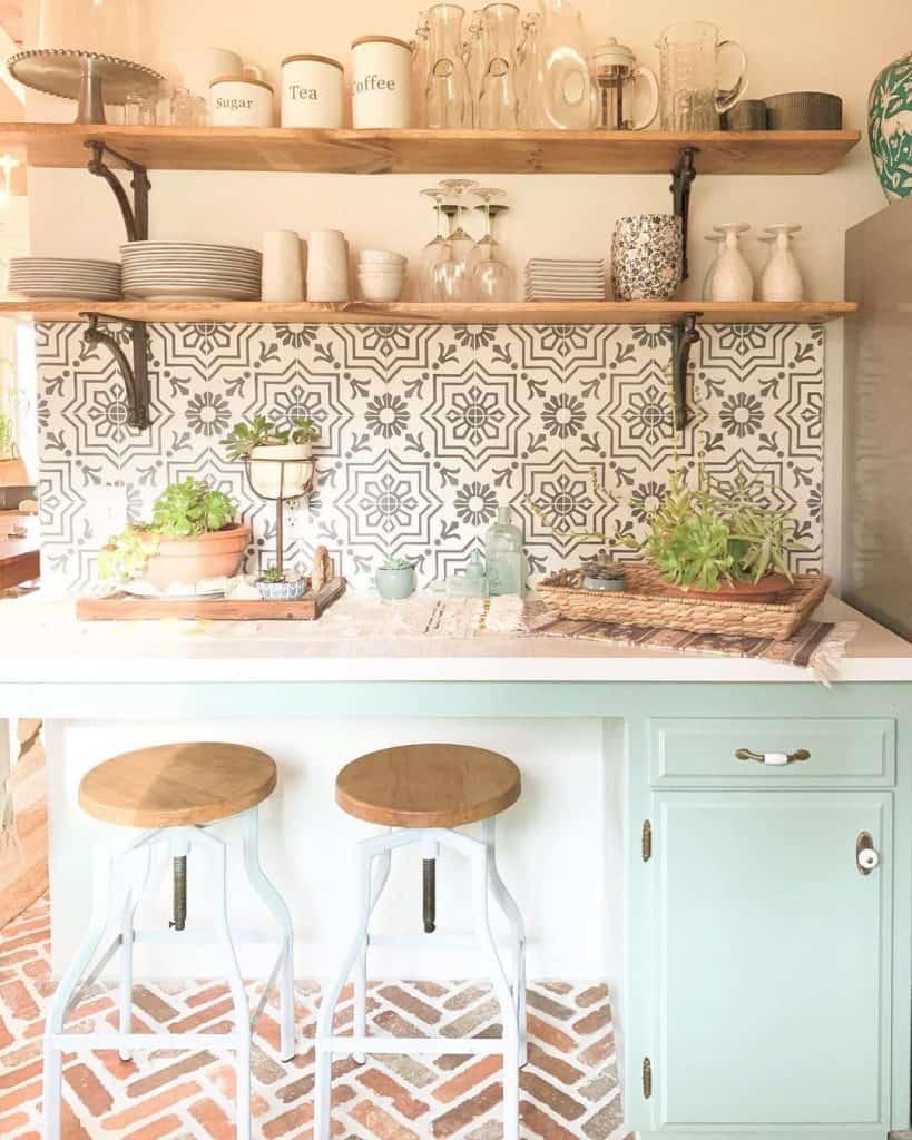 Mediterranean-style Farmhouse Kitchen (by. @yellow____fish)