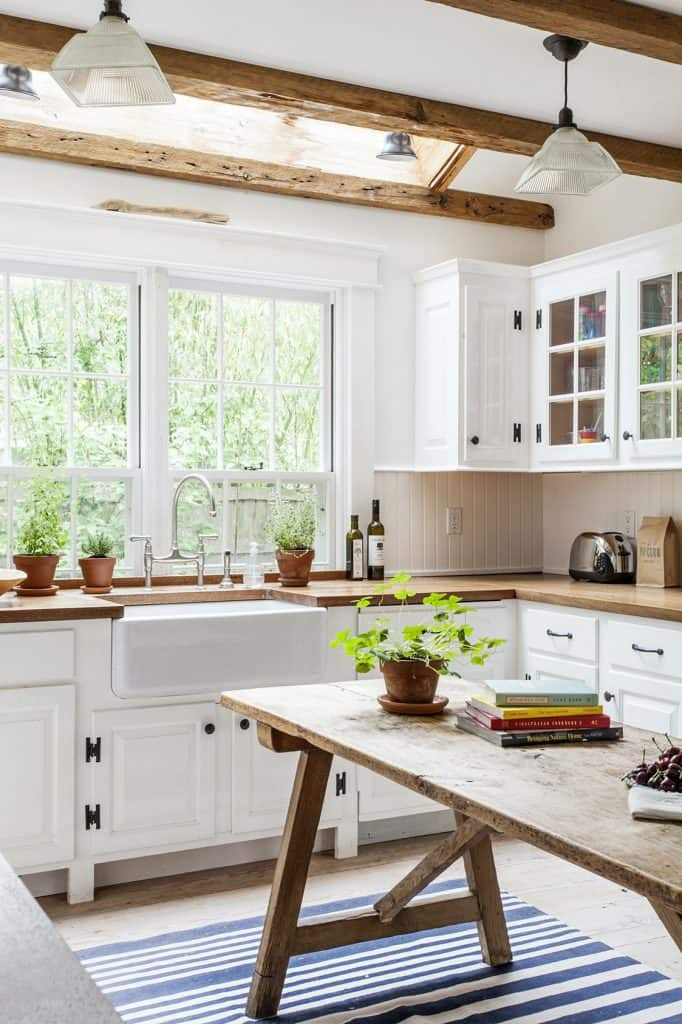 Farmhouse Kitchen with Picnic Table (by. lonny.com)