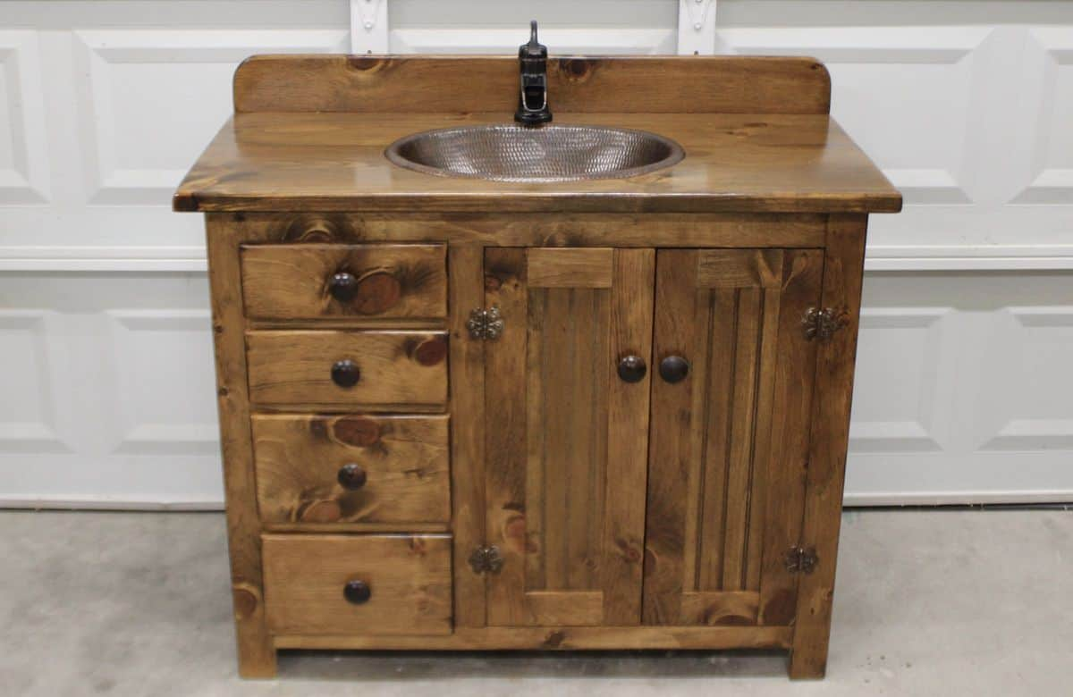 19 Creative And Popular Ideas For Rustic Bathroom Vanities