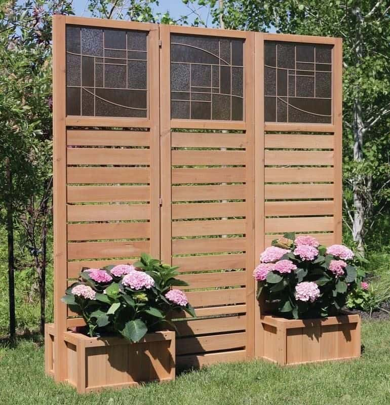 Beautiful Decorative Privacy Screen with Planters (by. visualhunt.com)