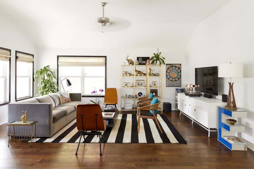 Eclectic Modern Mid-century Living Room with Black and White Rug (by. deringhall.com)