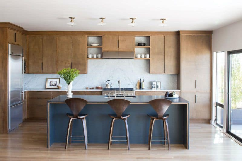 Small Kitchen with Open Floor Plan (by. desiretoinspire.net)