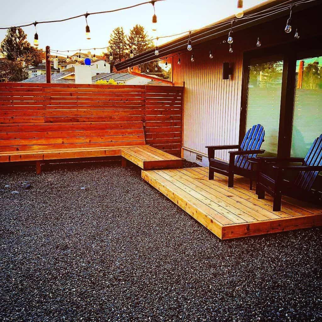Wooden Patio Privacy Screen (by. machtingerlandscaping)