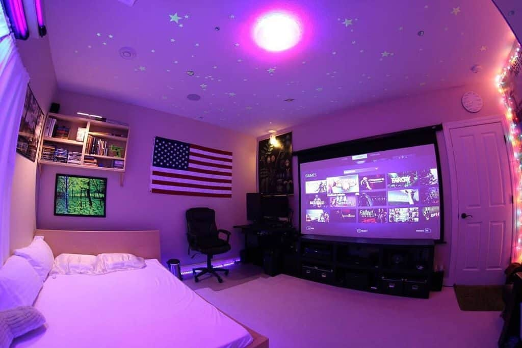 Gaming Setup in the Bedroom (by. @gaming.boughaz)