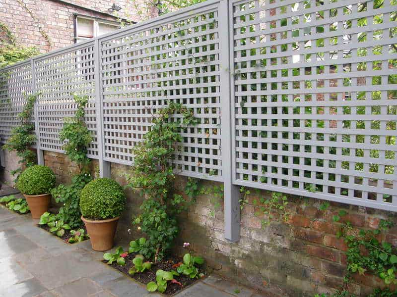 17 Inspiring Outdoor Privacy Screen Ideas to Apply in the ... on ideas for backyard walkway, ideas for backyard landscape, ideas for backyard garden, ideas for backyard spa, ideas for backyard lighting, ideas for backyard patio, ideas for backyard deck, ideas for backyard design, ideas for backyard fencing, ideas for backyard pergola, ideas for backyard planter,