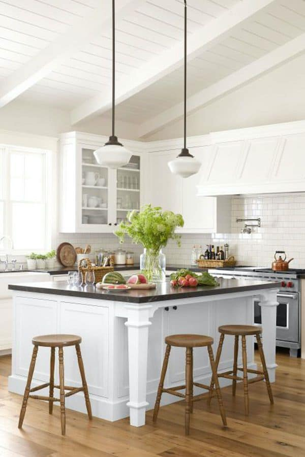 20 White Kitchen Cabinets to Brighten Your Cooking Space