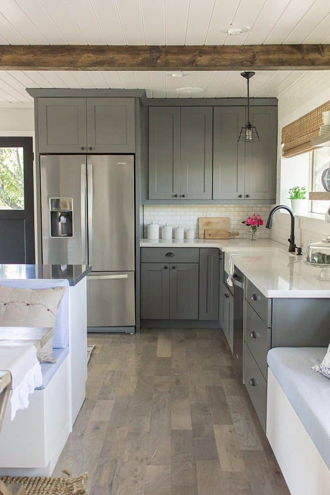 Neutral Scheme for Gray Kitchen (by. blog.jennasuedesign.com)