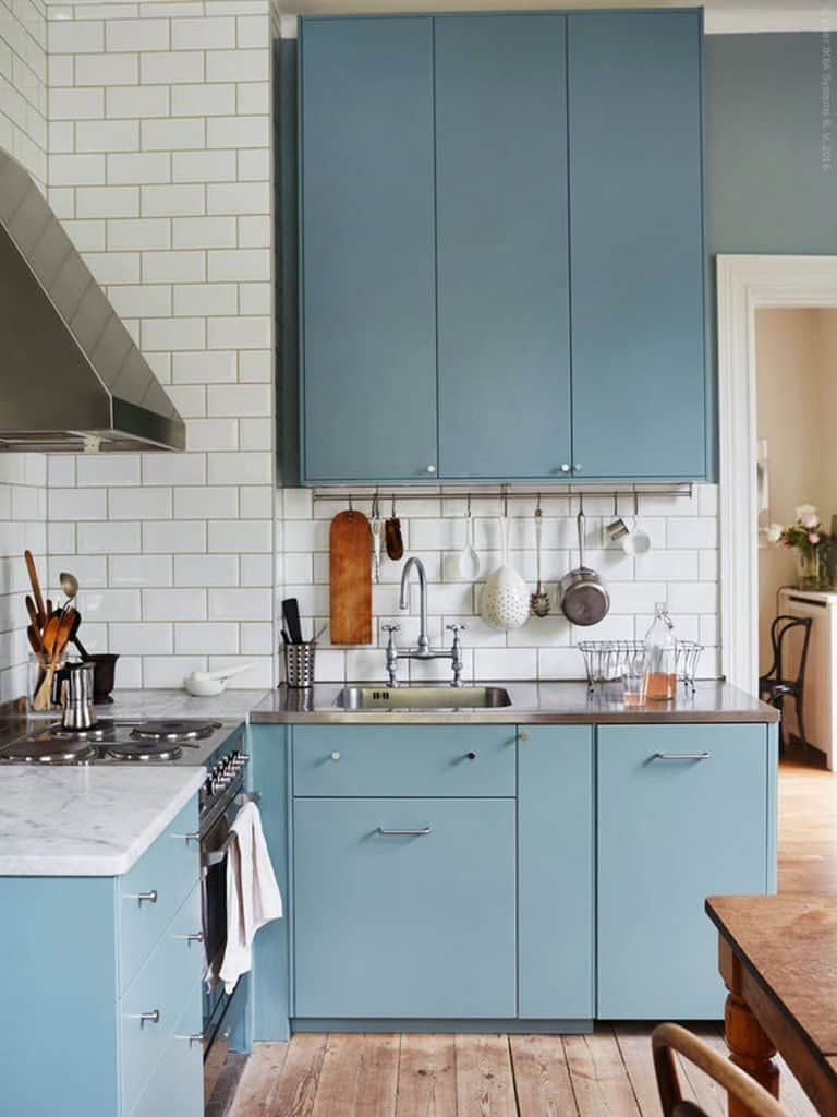 Blue Cabinets in the Little Corner (by. livethemma.ikea.se)