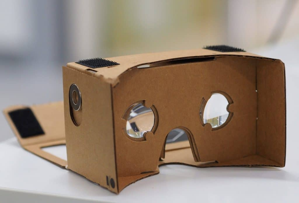 Google Cardboard for virtual house building