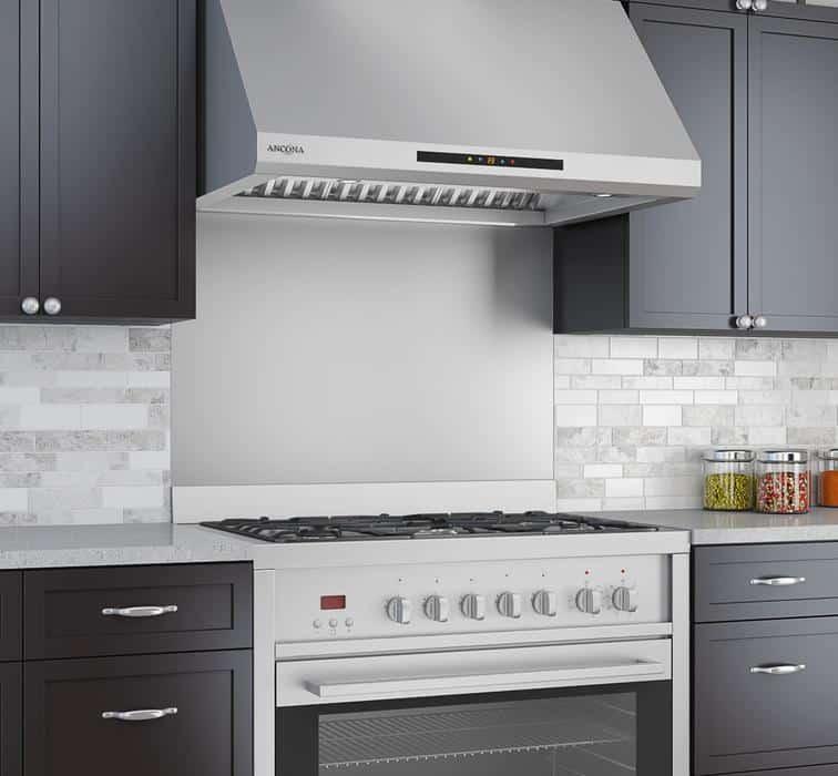 18 Stylish Kitchens With Stainless Steel Backsplashes