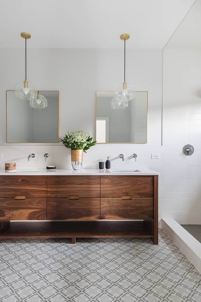 Mid-century Bathroom in Farmhouse Design