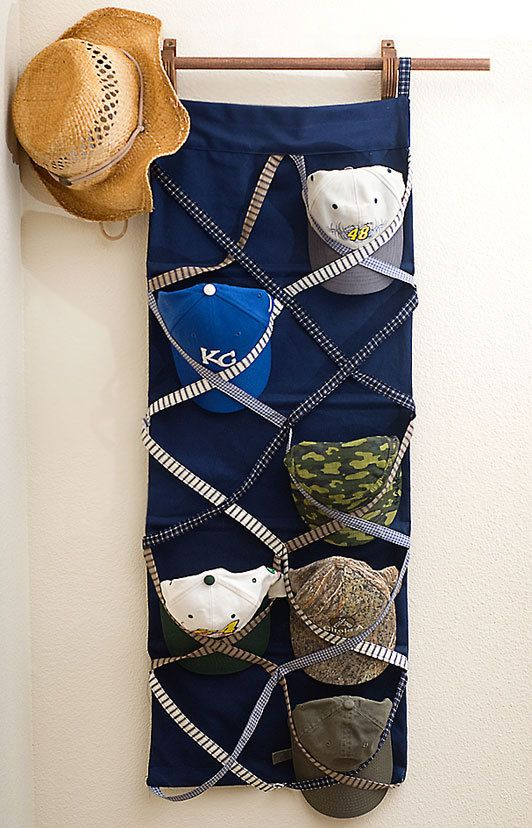 """Vertical """"Hat Bed"""" with Straps"""