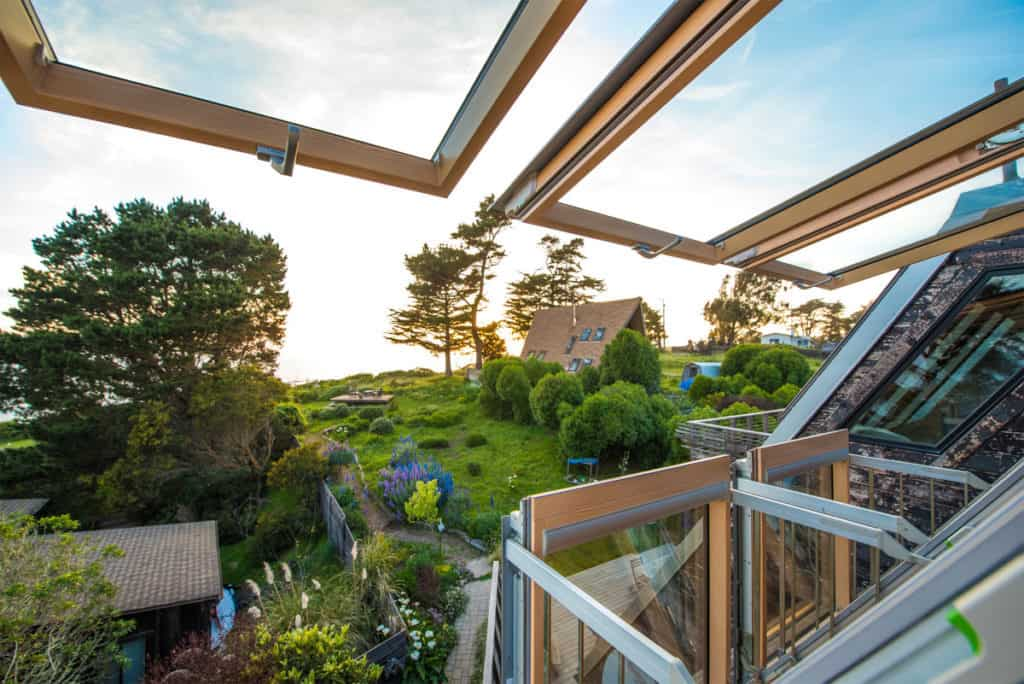 """What Should You Pay Attention to When Choosing Roof Windows"""""""