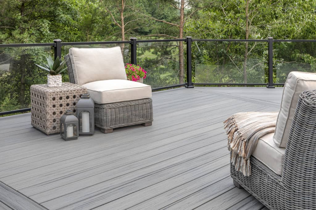 """6 Ways Composite Decking Increase Home Value In The UK"""""""