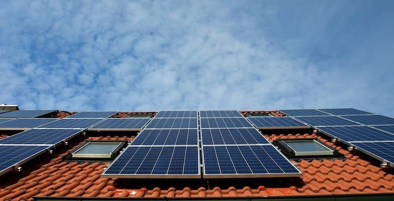 """Should You Install Solar Panels on Your Home"""""""